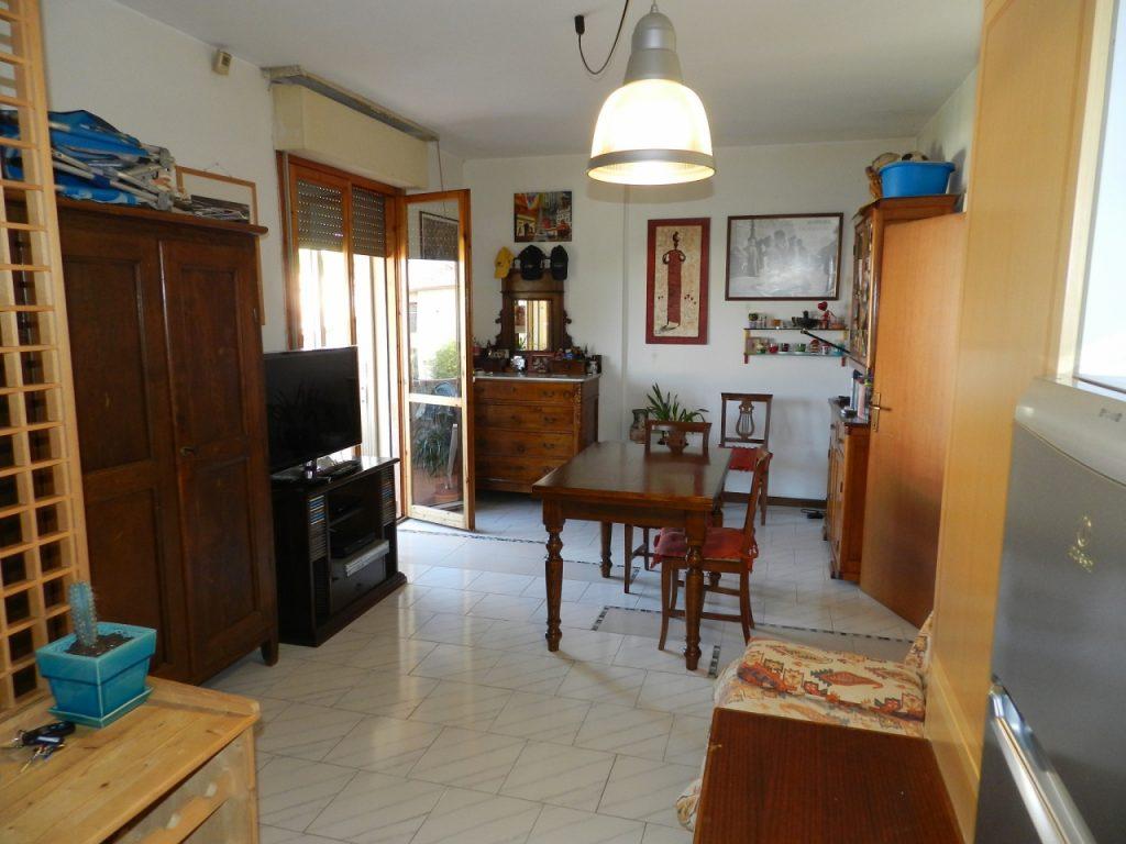 soggiorno-APPARTAMENTO-in-vendita-Rosignano Solvay-R0904