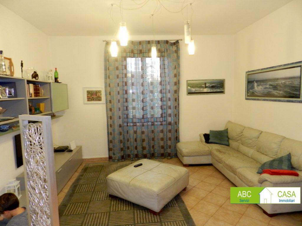 camera doppia-APPARTAMENTO INDIPENDENTE-in-vendita-zona mare Rosignano-R0940