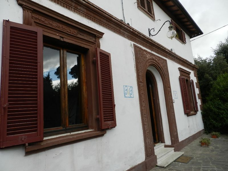 esterno-CASA INDIPENDENTE-in-vendita-Gabbro-R0278