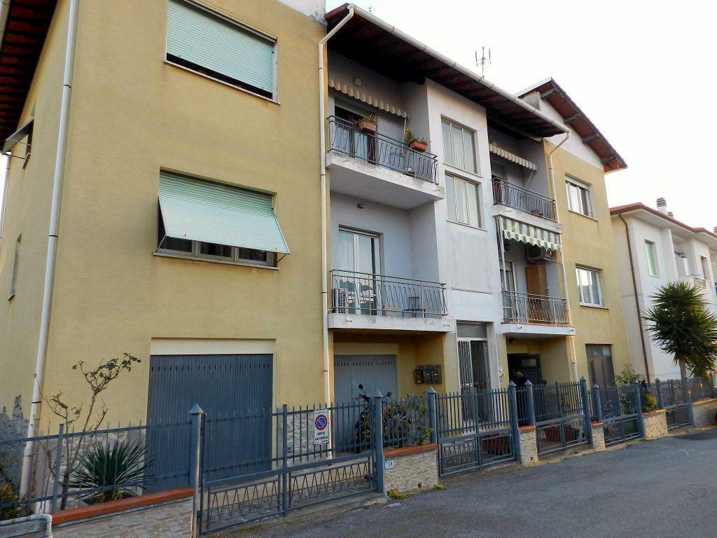 esterno-APPARTAMENTO-in-vendita-Rosignano Solvay-R0642