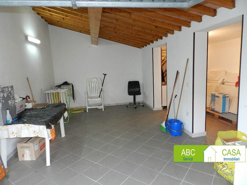 ripostiglio-APPARTAMENTO INDIPENDENTE-in-vendita-Castelnuovo M.dia-R1098