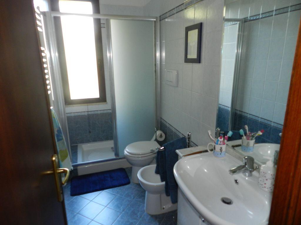 camera doppia-CASA INDIPENDENTE-in-vendita-Rosignano Marittimo-R0751
