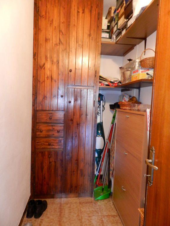 garage-APPARTAMENTO INDIPENDENTE-in-vendita-Rosignano Solvay-R0808