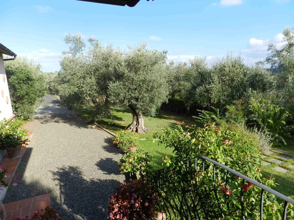 balcone-CASA INDIPENDENTE-in-vendita-Rosignano Marittimo-R0751