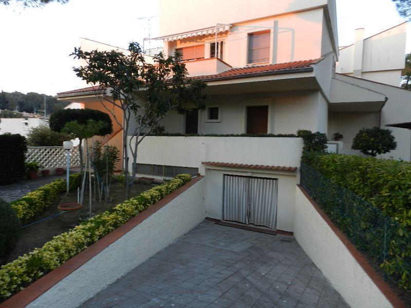 esterno-APPARTAMENTO INDIPENDENTE-in-vendita-Castiglioncello-R0250