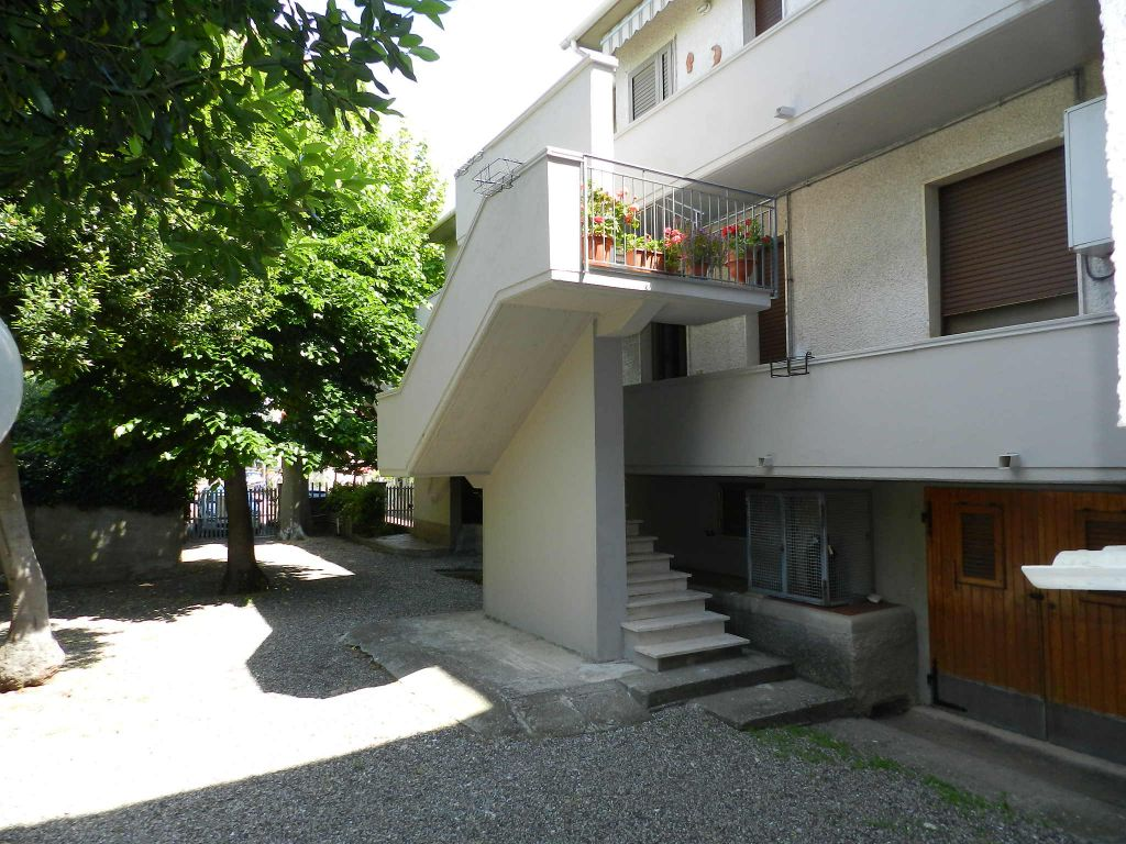 esterno-APPARTAMENTO-in-vendita-Vada-R0715