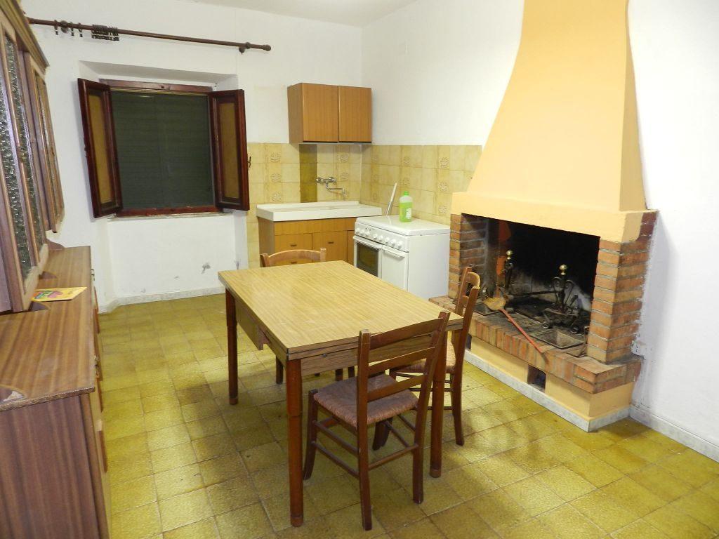 ingresso-APPARTAMENTO-in-vendita-Castelnuovo M.dia-R0724