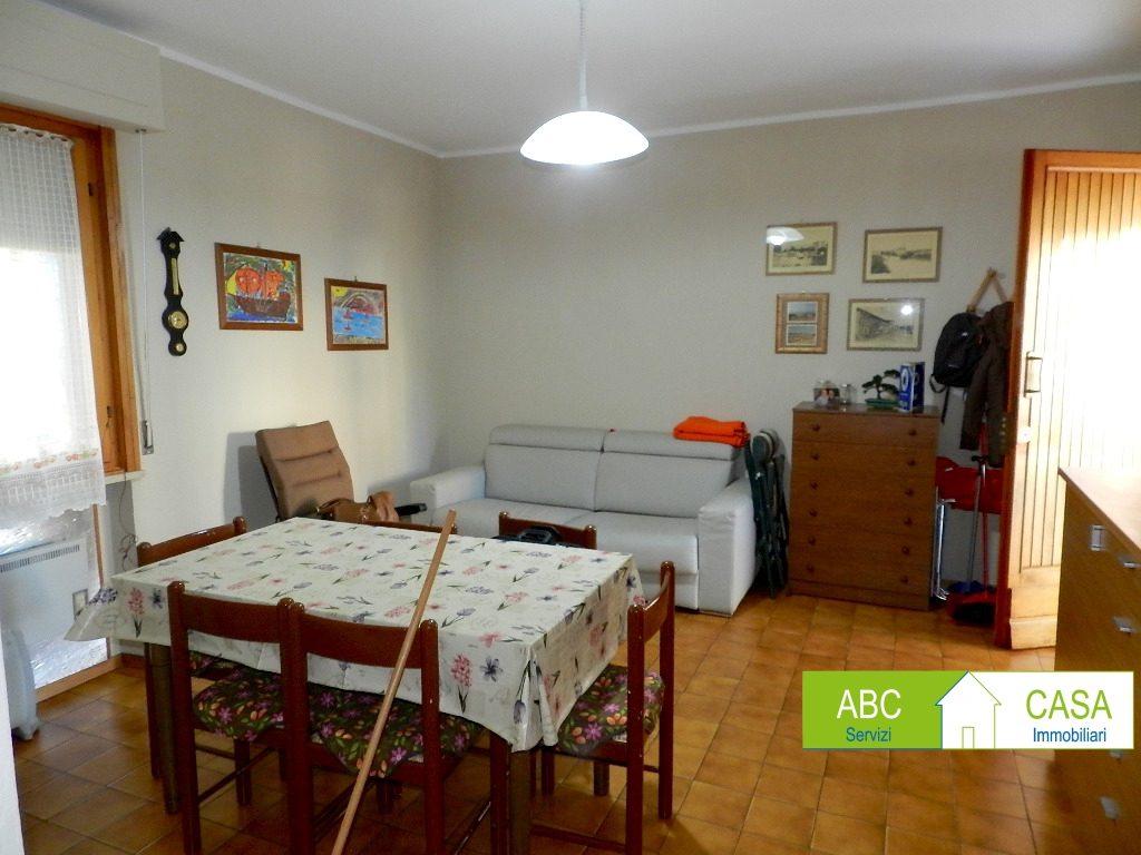 soggiorno-APPARTAMENTO INDIPENDENTE-in-vendita-Castiglioncello-R1096