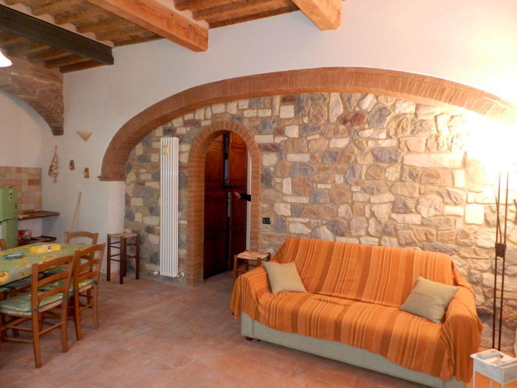 esterno-APPARTAMENTO INDIPENDENTE-in-vendita-Santa Luce-R0834