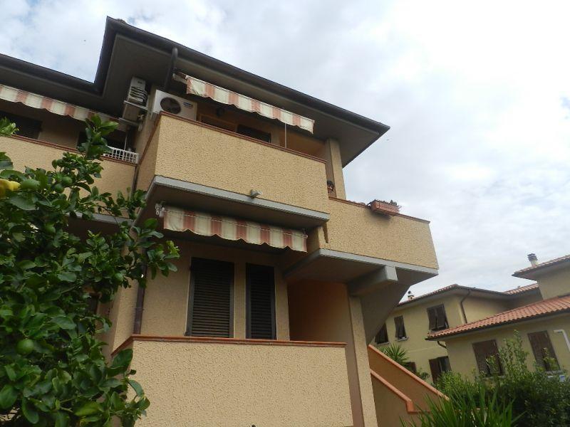 esterno-APPARTAMENTO INDIPENDENTE-in-vendita-Rosignano Solvay-R0255
