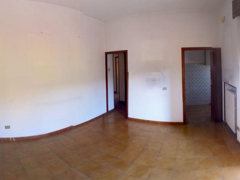 camera doppia-APPARTAMENTO-in-vendita-Castellina M.ma-R0350