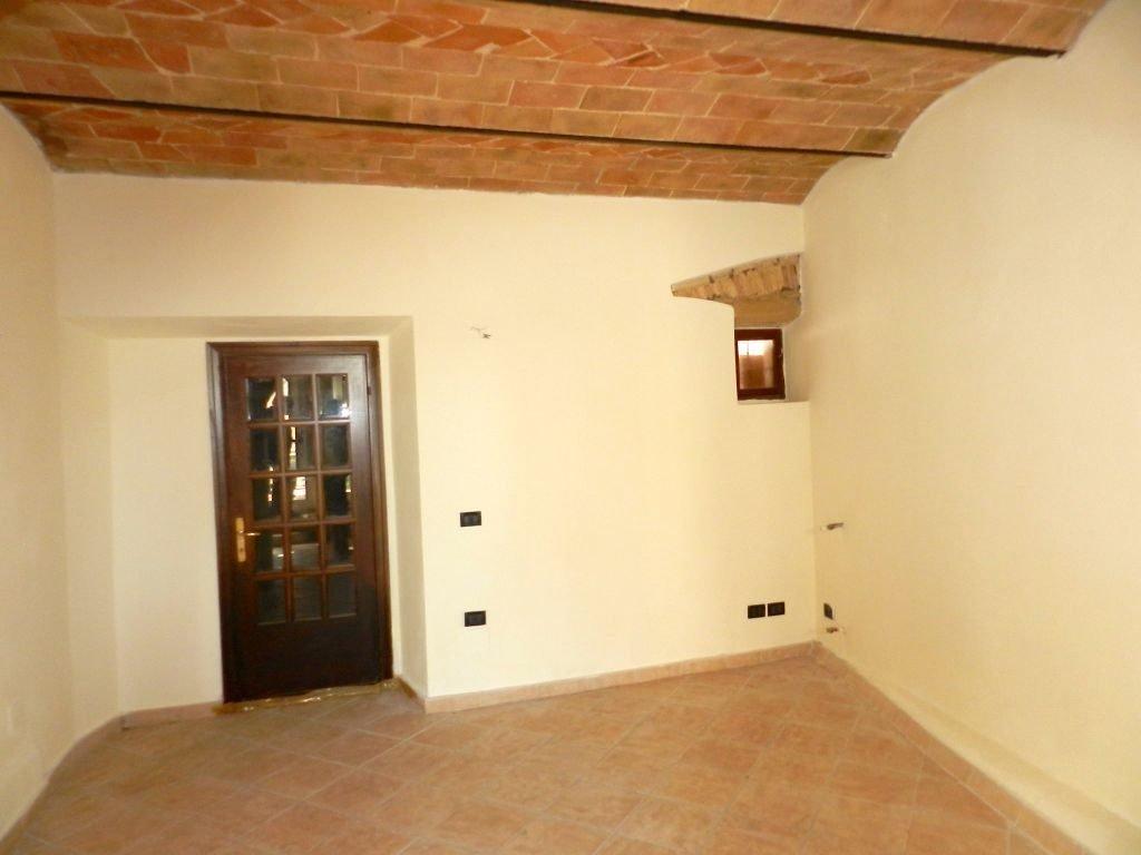 taverna-TERRATETTO-in-vendita-Castelnuovo M.dia-R0742