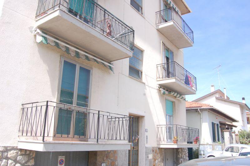 esterno-APPARTAMENTO-in-vendita-Rosignano Solvay-R0271