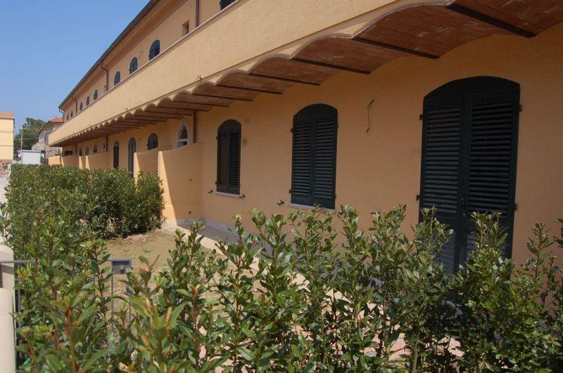 esterno-APPARTAMENTO INDIPENDENTE-in-vendita-Vada-R0424
