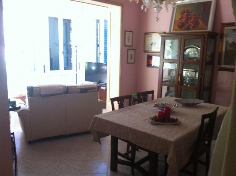 ingresso-APPARTAMENTO INDIPENDENTE-in-vendita-Castelnuovo M.dia-R0144