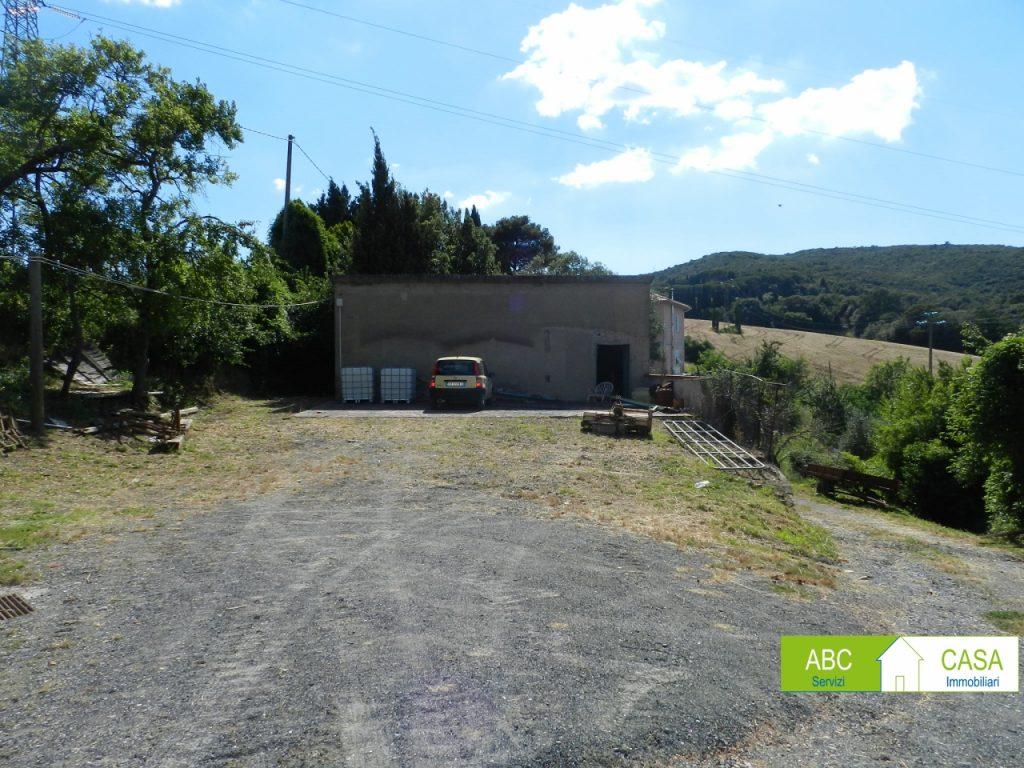 giardino-APPARTAMENTO INDIPENDENTE-in-vendita-Castelnuovo M.dia-R1002