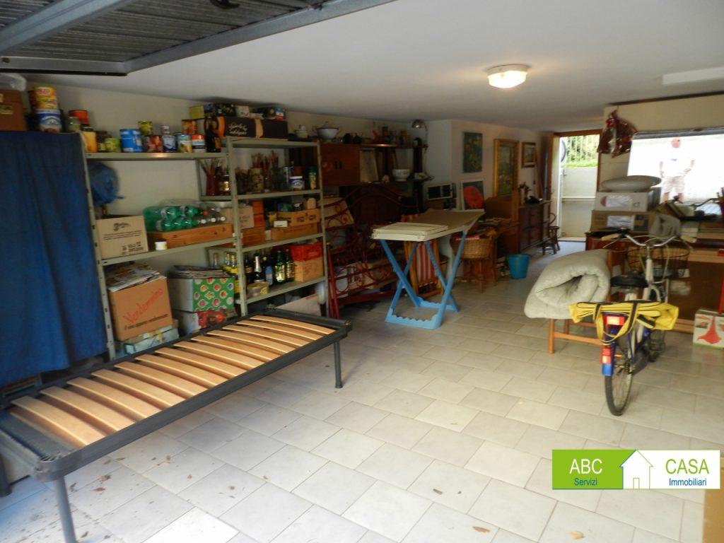 giardino-APPARTAMENTO INDIPENDENTE-in-vendita-Rosignano Solvay-R0996