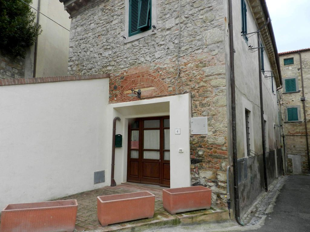 esterno-APPARTAMENTO INDIPENDENTE-in-vendita-Santa Luce-R0833