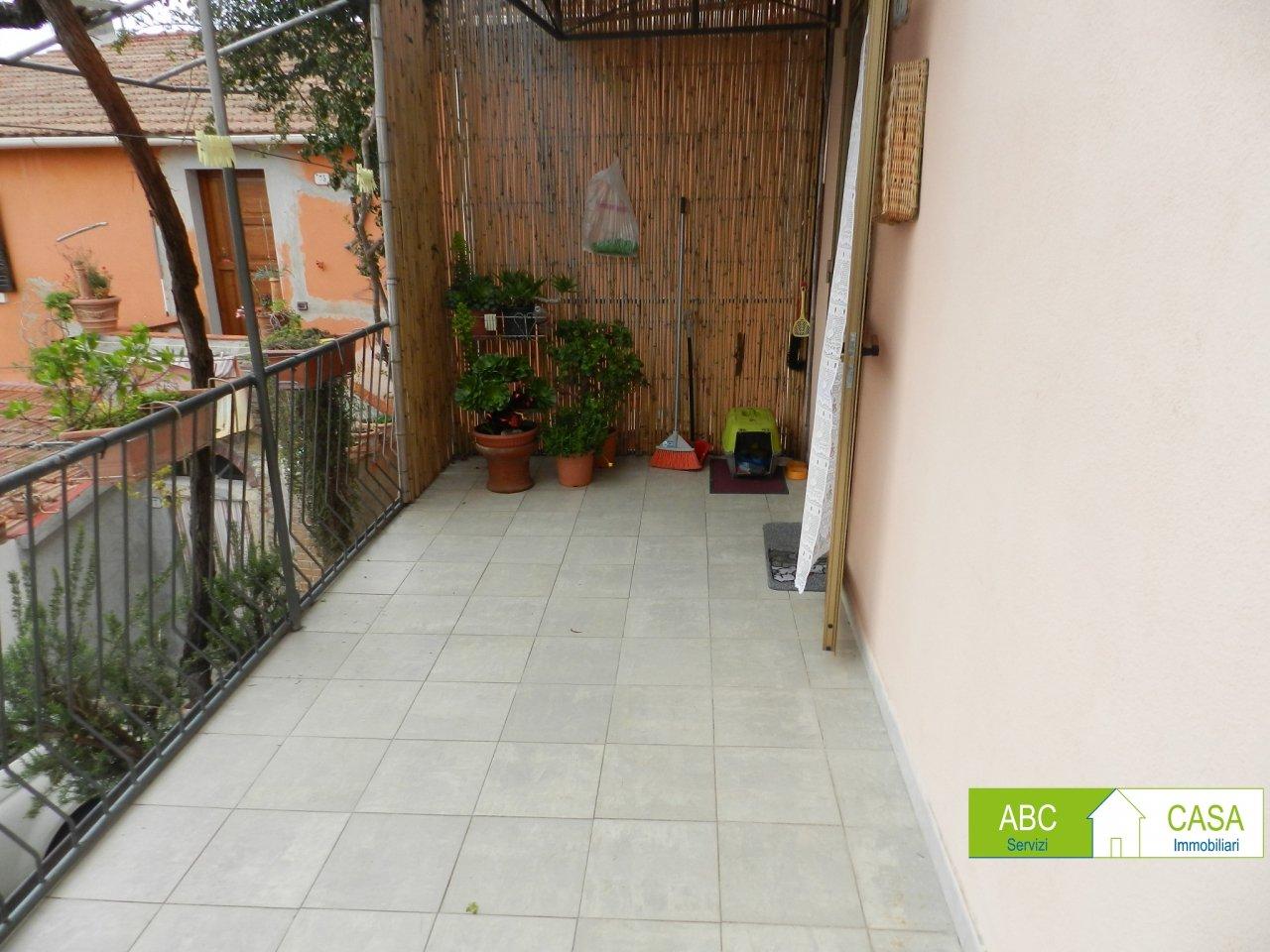 esterno-APPARTAMENTO INDIPENDENTE-in-vendita-Rosignano Marittimo-R0945