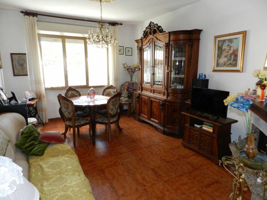 ingresso-APPARTAMENTO-in-vendita-Rosignano Solvay-R0906