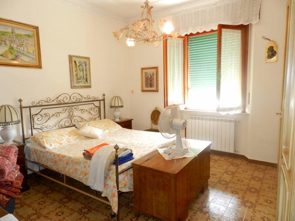 cucina-APPARTAMENTO INDIPENDENTE-in-vendita-zona mare Rosignano-R0898
