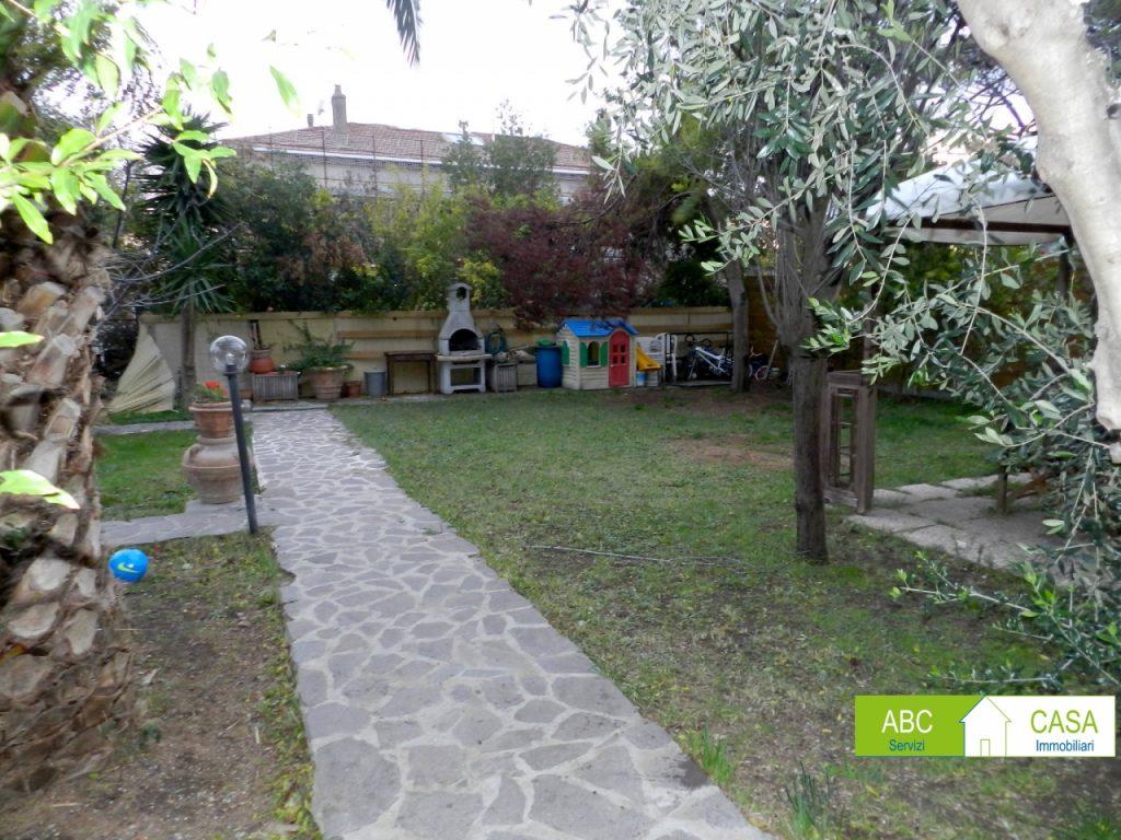 soggiorno-APPARTAMENTO INDIPENDENTE-in-vendita-zona mare Rosignano-R0940