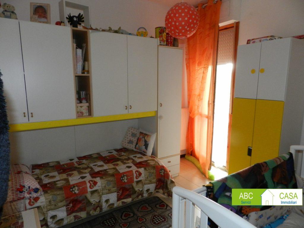 camera doppia-APPARTAMENTO-in-vendita-Rosignano Solvay-R0942