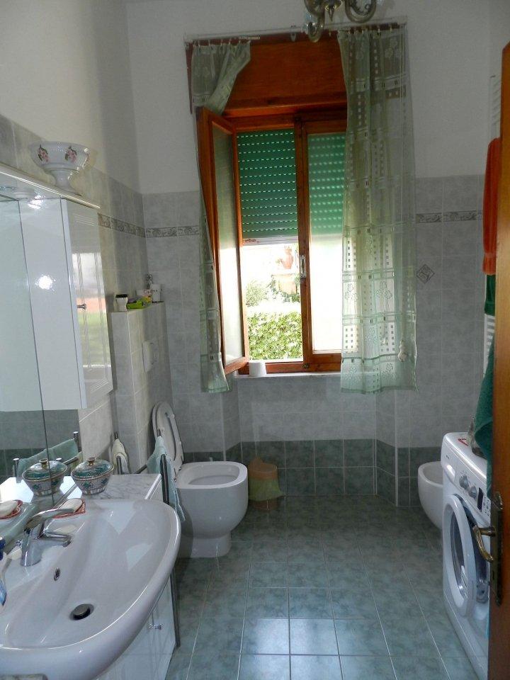 studio-APPARTAMENTO INDIPENDENTE-in-vendita-zona mare Rosignano-R0898