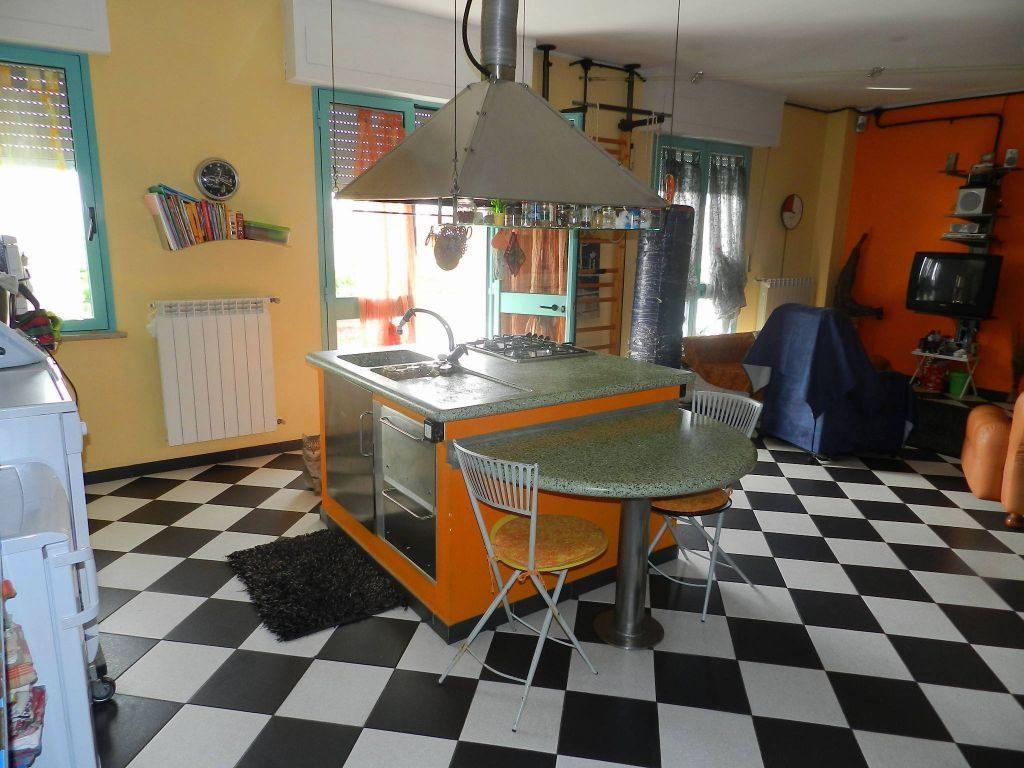 camera singola-APPARTAMENTO-in-vendita-Rosignano Solvay-R0626