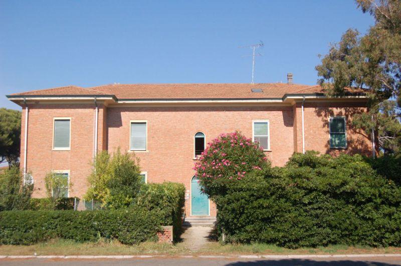 esterno-APPARTAMENTO INDIPENDENTE-in-vendita-zona mare Rosignano