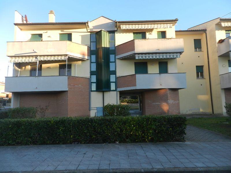 esterno-APPARTAMENTO-in-vendita-Rosignano Solvay-R0285