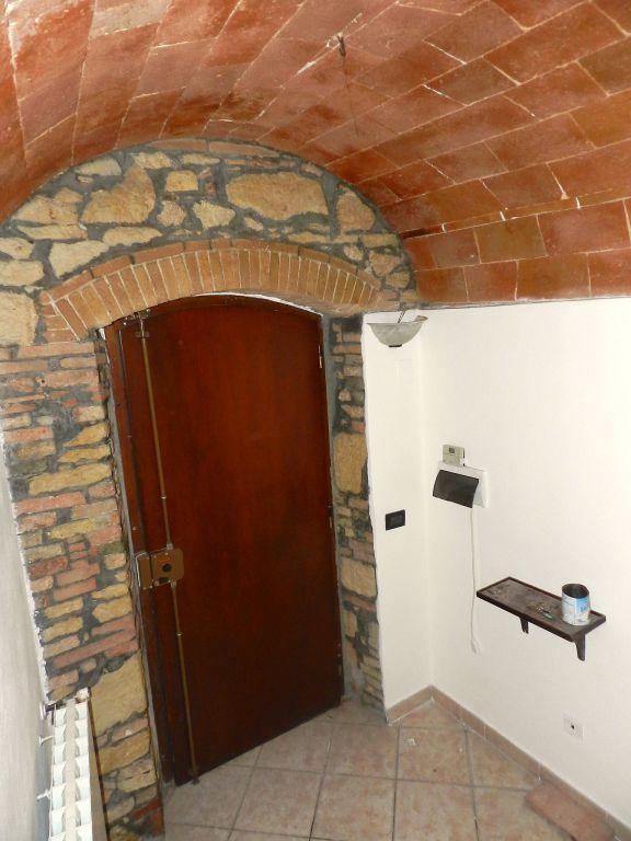 ingresso-TERRATETTO-in-vendita-Castelnuovo M.dia-R0742