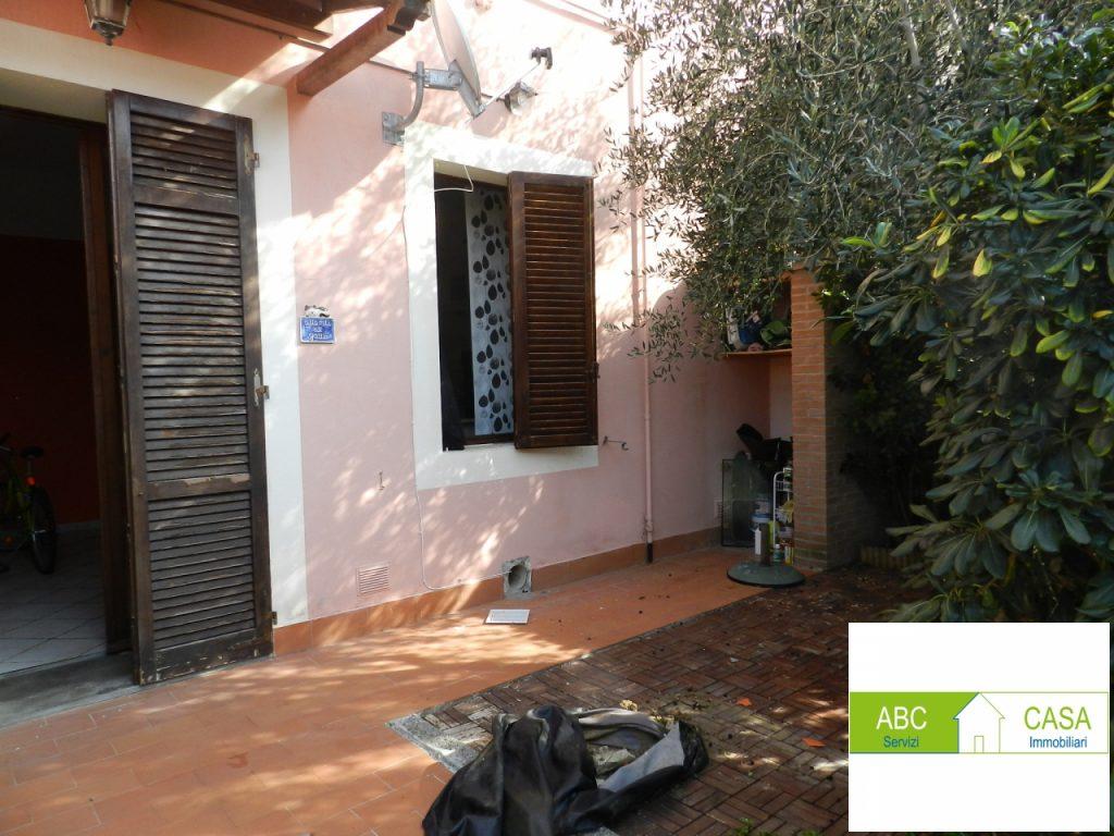 soggiorno-APPARTAMENTO INDIPENDENTE-in-vendita-Cecina-C0227