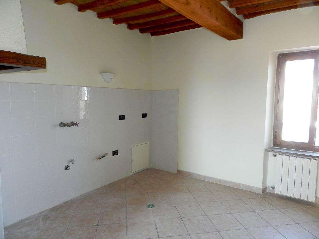 camera-TERRATETTO-in-vendita-Castelnuovo M.dia-R0742