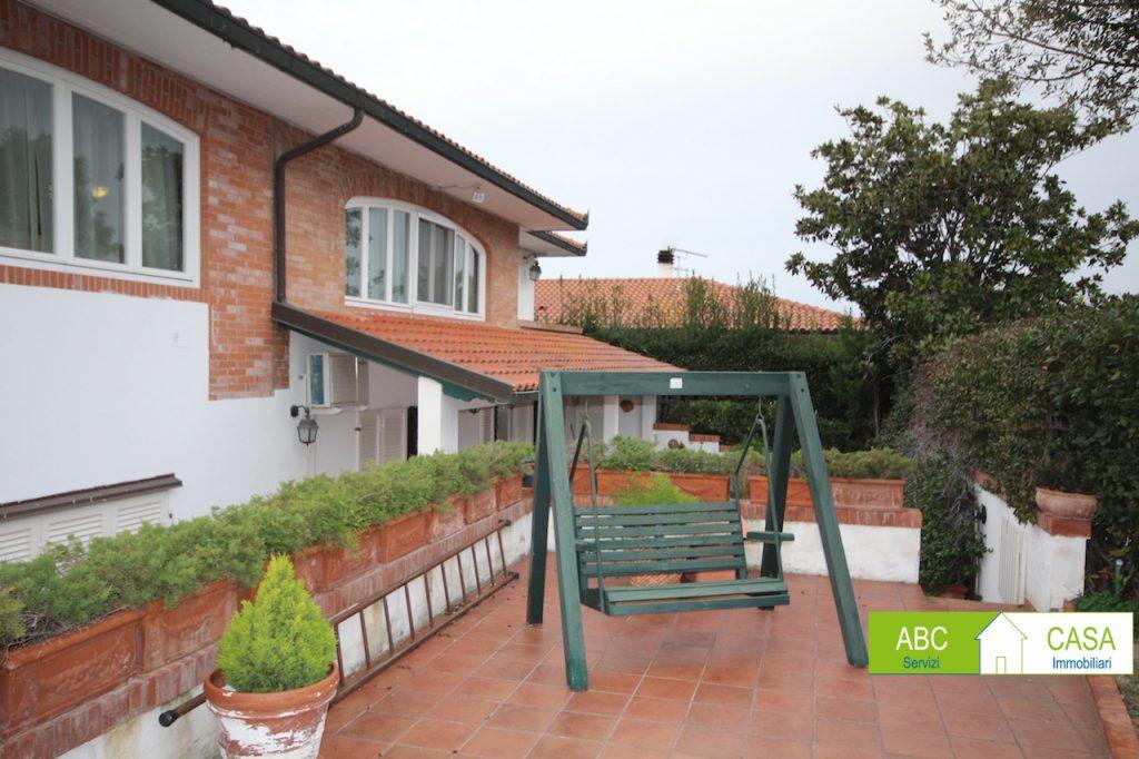 camera doppia-VILLA-in-vendita-Cecina-C0230