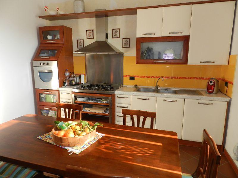 soggiorno-APPARTAMENTO INDIPENDENTE-in-vendita-zona mare Rosignano