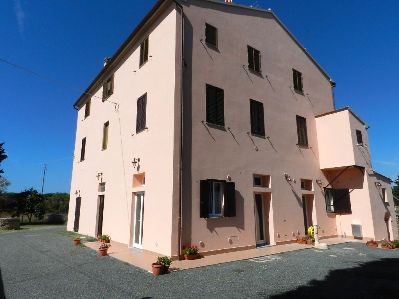 esterno-APPARTAMENTO-in-vendita-Collemezzano