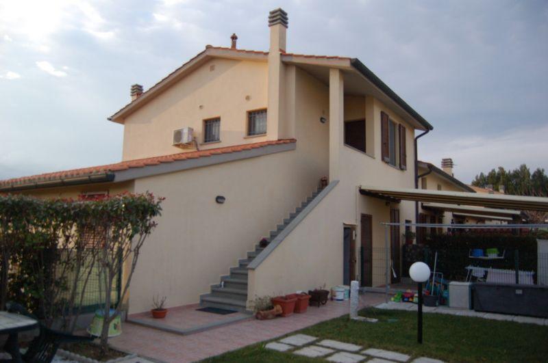 esterno-APPARTAMENTO INDIPENDENTE-in-vendita-Cecina-C0134
