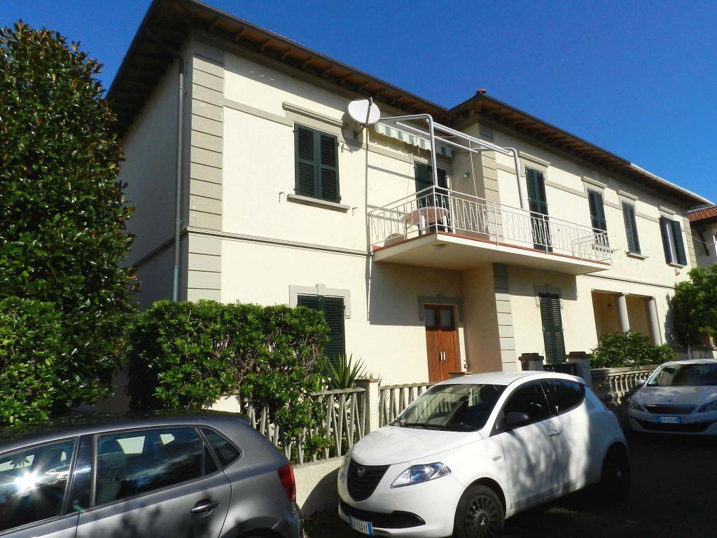 esterno-APPARTAMENTO INDIPENDENTE-in-vendita-zona mare Rosignano-R0610