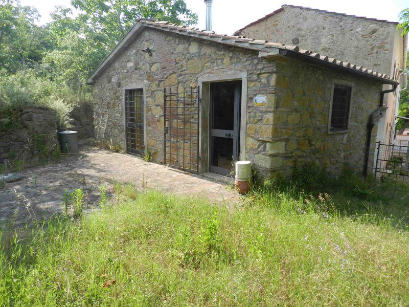 esterno-CASALE-in-vendita-Castelnuovo M.dia-R0550
