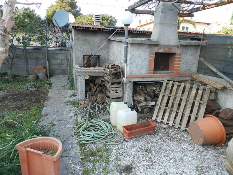 camera-APPARTAMENTO INDIPENDENTE-in-vendita-zona mare Rosignano