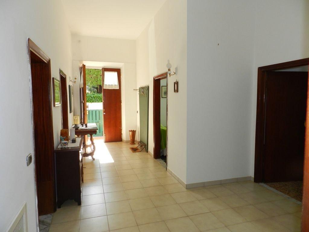 garage-APPARTAMENTO INDIPENDENTE-in-vendita-zona mare Rosignano-R0610