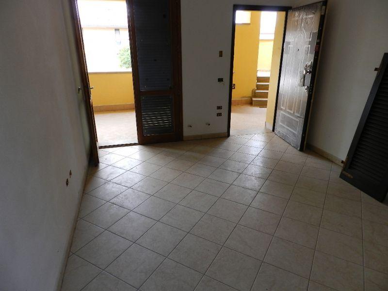 soggiorno-APPARTAMENTO INDIPENDENTE-in-vendita-Rosignano Solvay-R0423