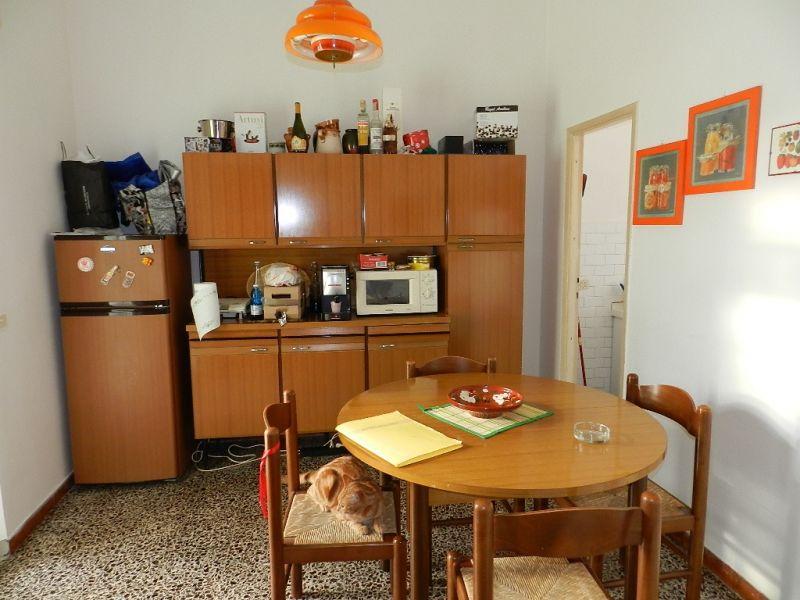 camera-APPARTAMENTO INDIPENDENTE-in-vendita-zona mare Rosignano-R0065