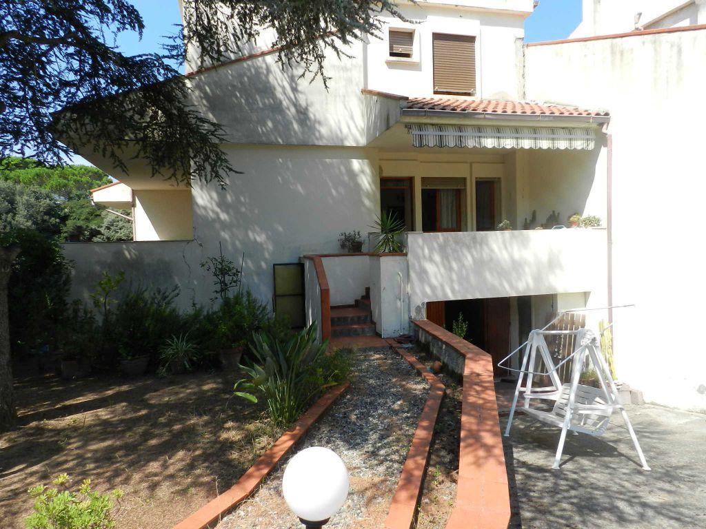 esterno-APPARTAMENTO INDIPENDENTE-in-vendita-Castiglioncello-R0582