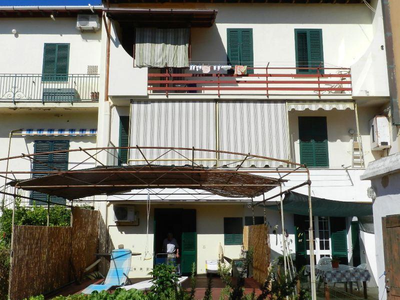 esterno-APPARTAMENTO INDIPENDENTE-in-vendita-Castiglioncello-R0463
