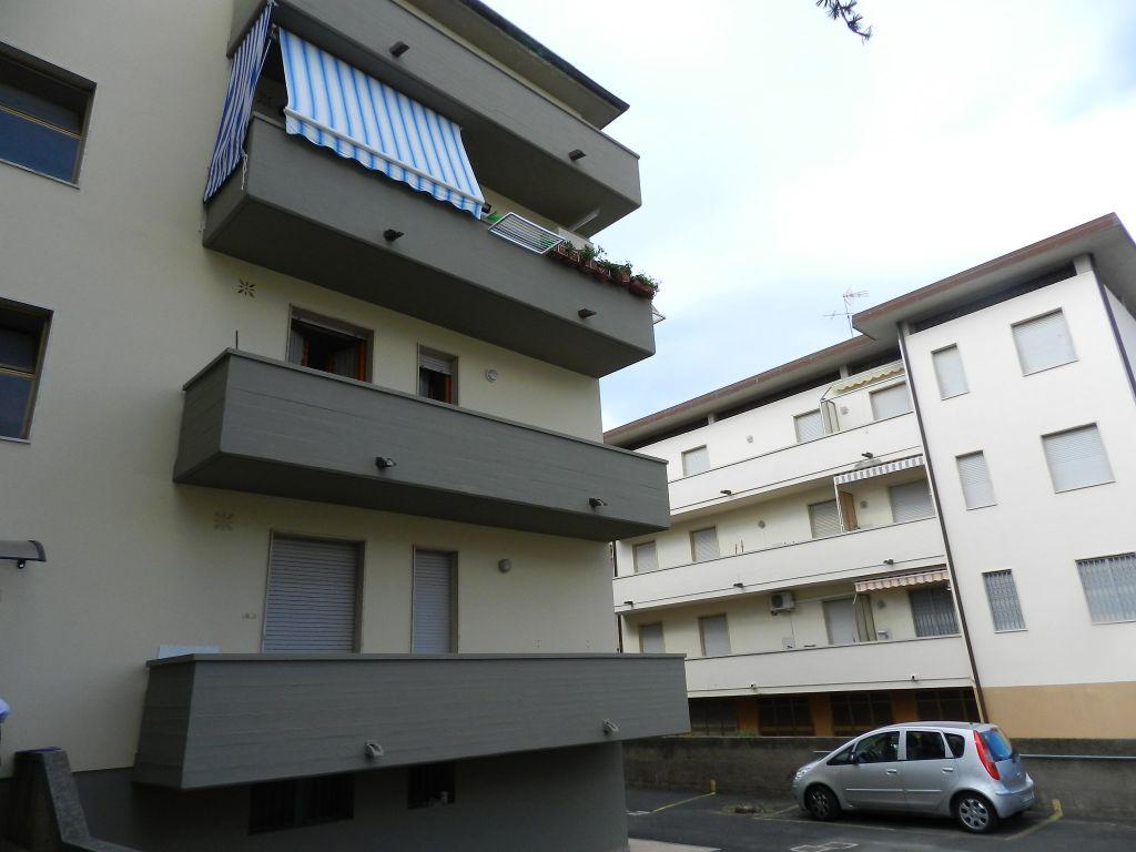 esterno-APPARTAMENTO INDIPENDENTE-in-vendita-Rosignano Solvay-R0412