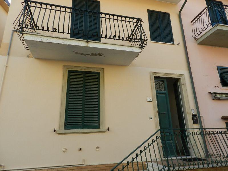 esterno-APPARTAMENTO-in-vendita-Castiglioncello-R0277