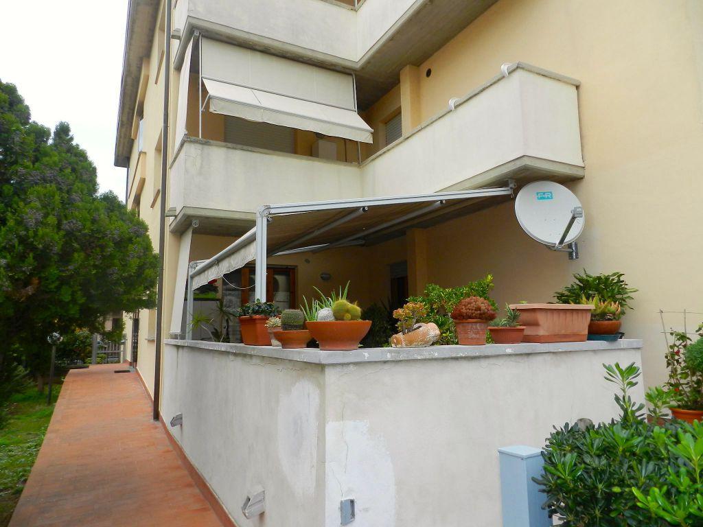 esterno-APPARTAMENTO INDIPENDENTE-in-vendita-Rosignano Solvay-R0794