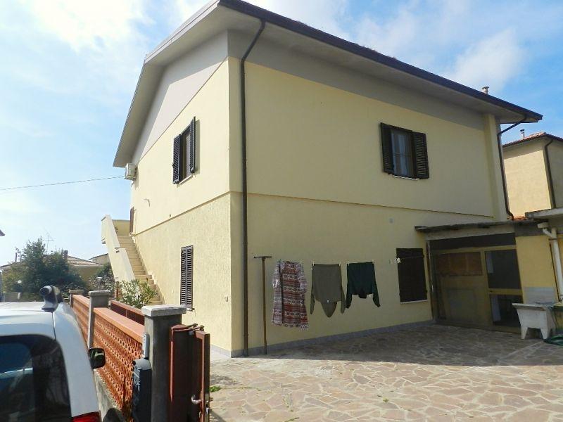 esterno-APPARTAMENTO INDIPENDENTE-in-vendita-Rosignano Solvay-R0091